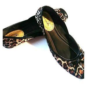 Sam & Libby Leopard print ballet toe flats